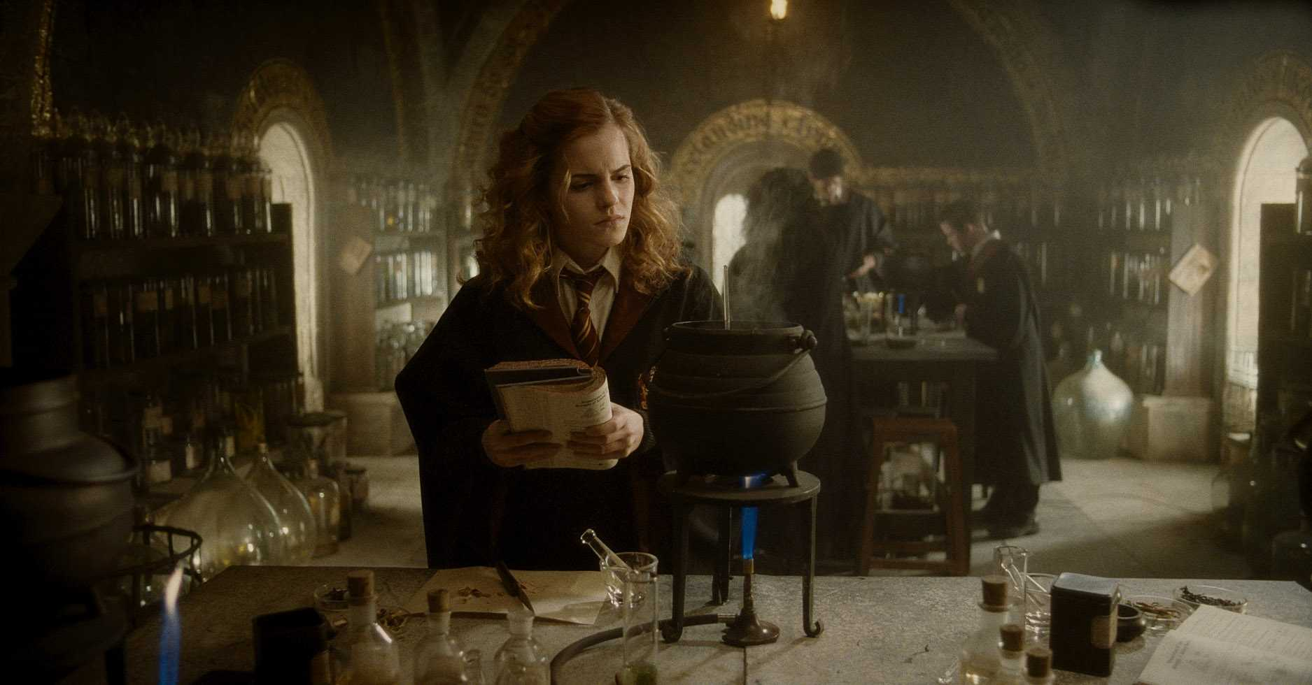 Hermione Brewing Potion